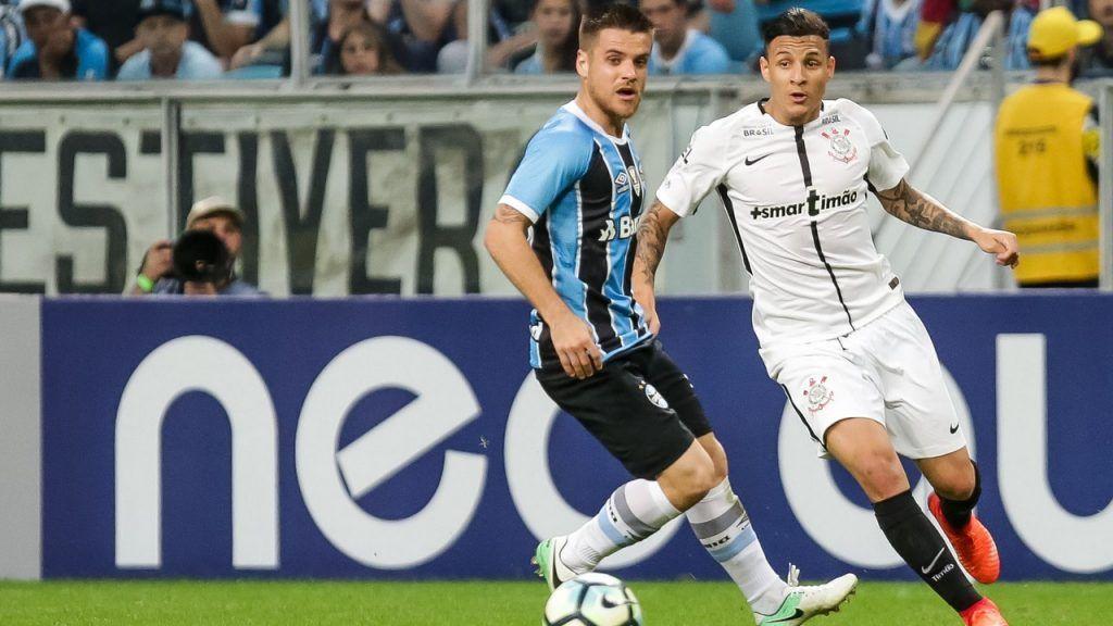 """Grêmio líder? Se tivesse aproveitado a """"despencada"""" do Corinthians, sim https://t.co/ORyfUQ6mJW"""