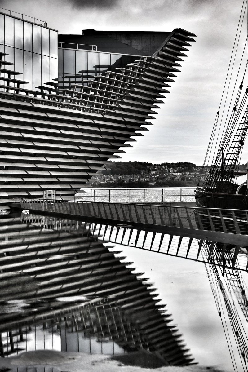 Site visit with Kengo Kuma to @VADundee today. See @thecourieruk @Evening_Tele tmw for all details. #Dundee #architecture #Kuma<br>http://pic.twitter.com/sL9ebpcgu6