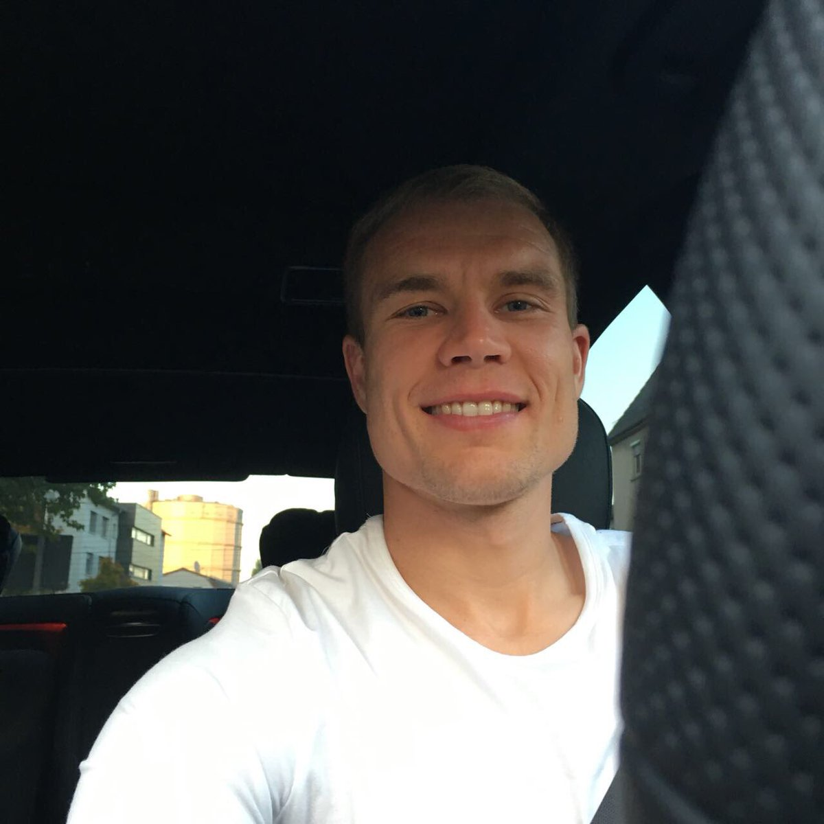 On the way home after a good training session! @VfB #goodenergy https:...
