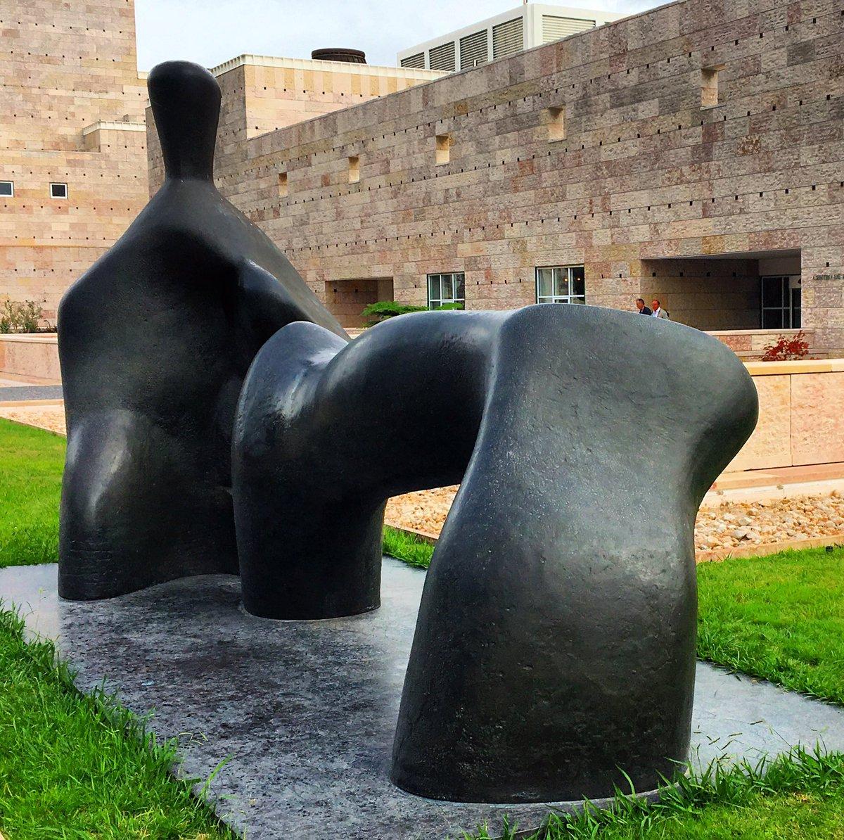 Shapes V #HenryMoore @museuberardo #belem #lisboa #lisbon #shapes @Tate<br>http://pic.twitter.com/W8NmOJHhGr