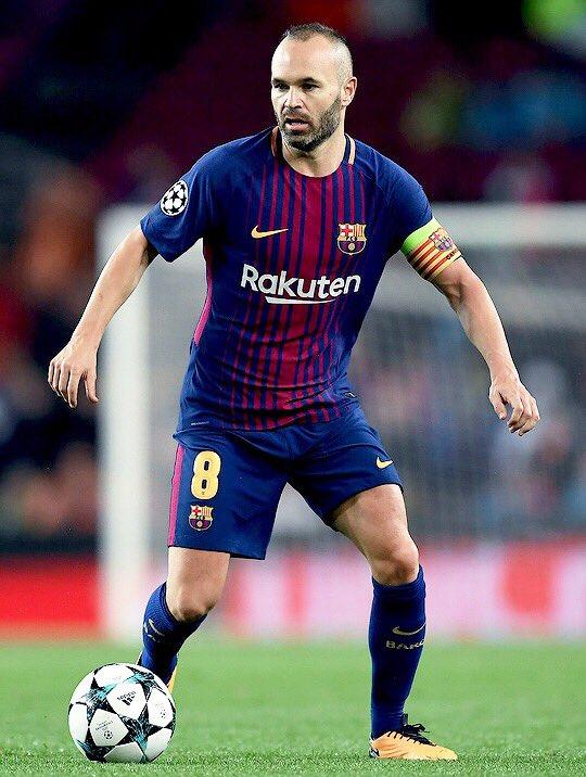 Y gracias a ti, por hacer que cada partido que juegas, ame más el fútbol. Gracias de corazón, capitán. https://t.co/siVMvB4njC