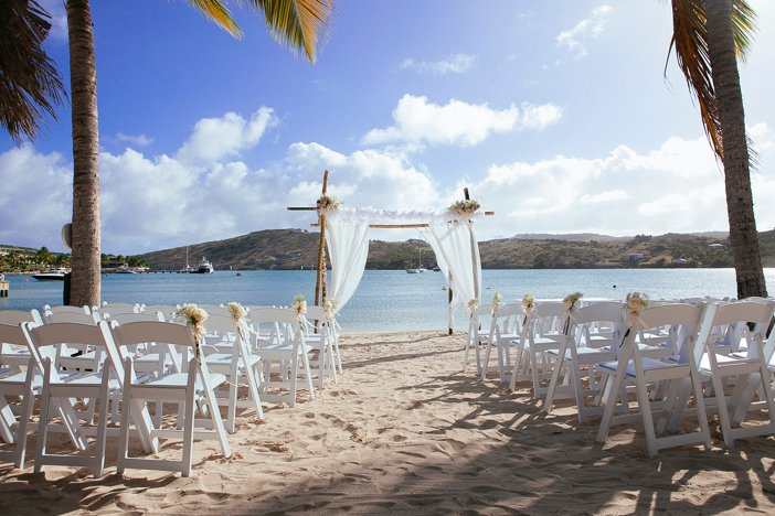 The perfect setting for a first kiss as husband and wife #WeddingWednesday <br>http://pic.twitter.com/7U9kP9ogRg