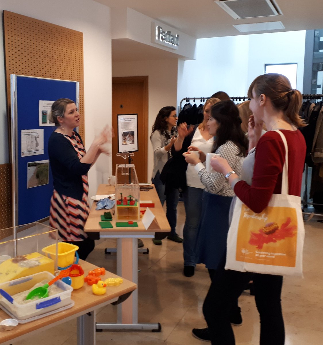 Afternoon tea &amp; activities. Demonstrations by @EmmaJMcKinley and @JFTweddle were particularly popular @ValuingN #ValNat17 #ecosystemservices <br>http://pic.twitter.com/cUlC0IazHr