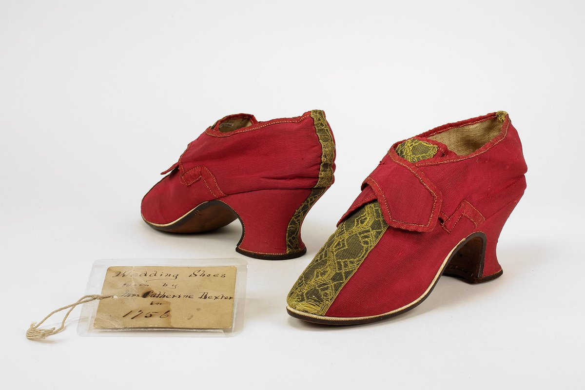Today&#39;s #WeddingWednesday shoes are the red silk shoes wedding shoes of Mrs. Catherine Dexter, who married in Dedham, Massachusetts in 1756 <br>http://pic.twitter.com/TyTDJe7Q81
