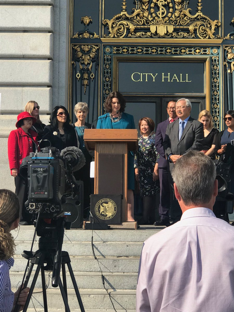 At #sanfrancisco #cityhall w women &amp; mayor protecting #reproductive freedom. #feminism still happening. Great for #men too. #Choice<br>http://pic.twitter.com/v5Z12qm8or