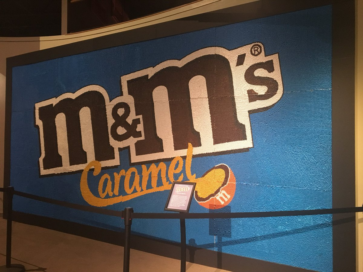 So many #m&amp;ms!!!! How many were made in this mural? Find out how you can take part in this guessing game tonight on #KSNTNews! #them&amp;mgame <br>http://pic.twitter.com/ZjN27VQR11 &ndash; à Kansas Museum of History