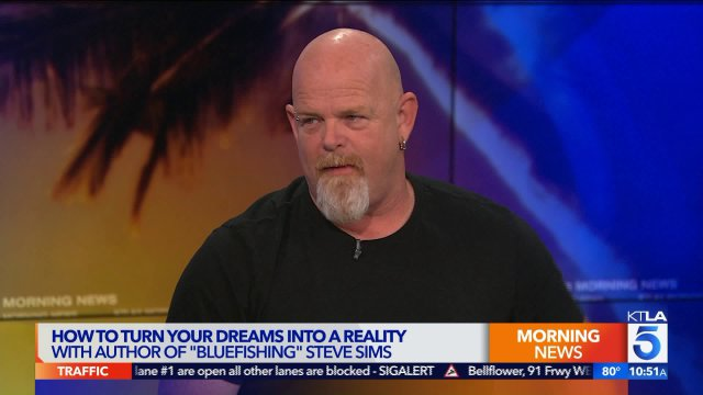 """How to Turn Your Dreams Into Reality With """"Bluefishing"""" Author Steve Sims  http:// ktla.com/2017/10/18/how -to-turn-your-dreams-into-reality-with-bluefishing-author-steve-sims/ &nbsp; …  #Algeria #الجزائر<br>http://pic.twitter.com/OwIcrAo7Mj"""
