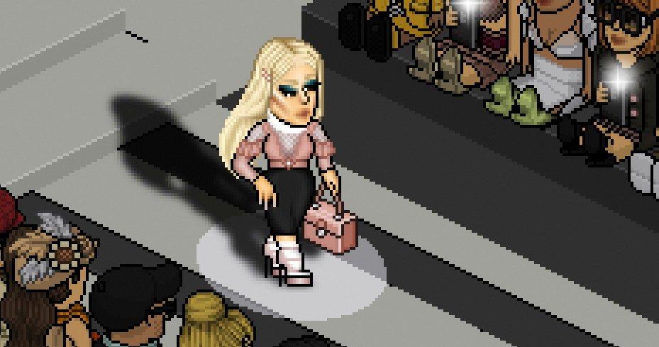 It was an honor to walk in #ElisabettaFranchi´s Fashion show. Thank you   HD  https:// imgur.com/a/jLUis  &nbsp;   #Italy #Runway #Model #Pixelart<br>http://pic.twitter.com/1HMoTMG09d