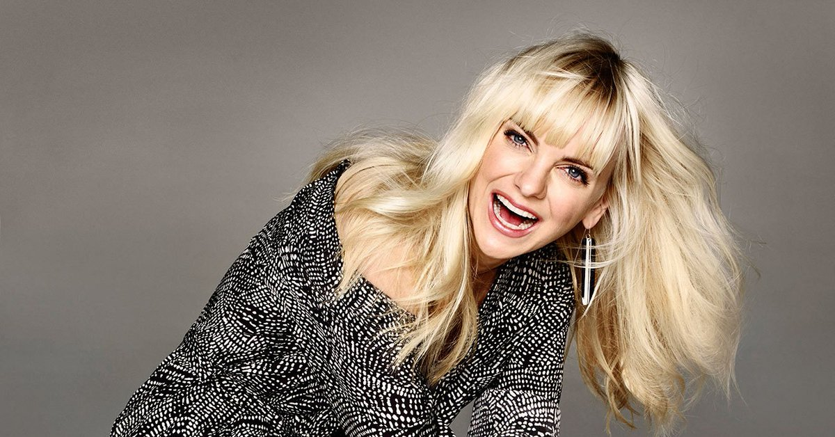 #Mom star @AnnaKFaris is looking fierce and fabulous in @cbswatchmag! Check it out:  http:// bit.ly/2hOqELn  &nbsp;  <br>http://pic.twitter.com/FYd8KYn7OF