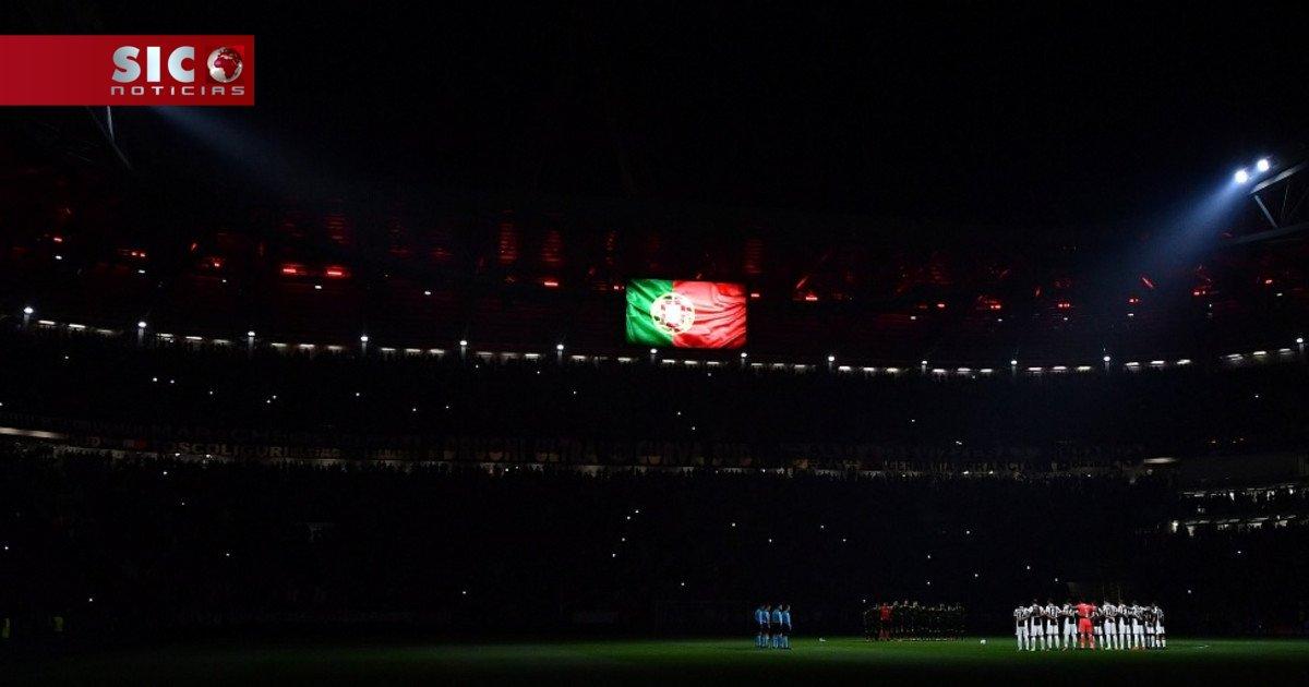 Juventus apaga luzes do estádio na homenagem às vítimas dos fogos em Portugal https://t.co/o42FvB6F04
