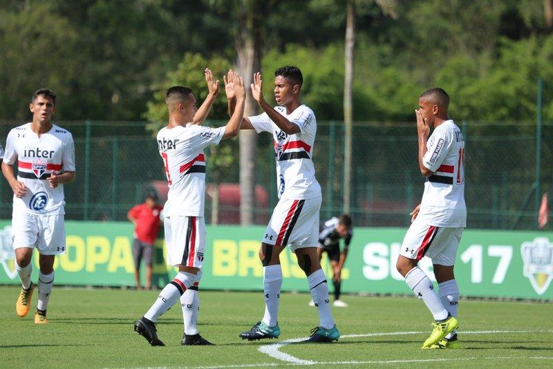COPA DO BRASIL SUB-17: FIM DE JOGO! Tricolor 4x1 Ponte, gols de Ed Carlos (2), Paulinho e Calebe. Tricolor avança às quartas #MadeInCotia