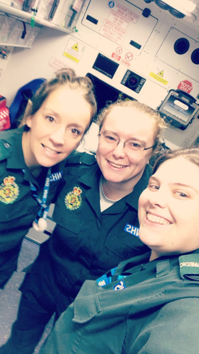 Met up with Georgia and Gemma  Huge congratulations to Gemma (centre) who's just passed her Paramedic Degree  #nightshift #paramedic <br>http://pic.twitter.com/bLOTSNtJcB