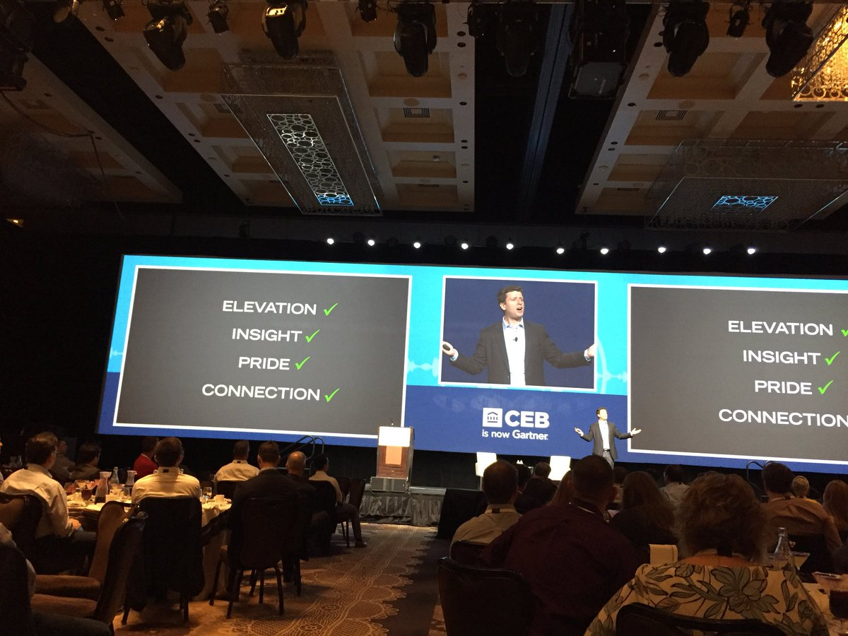 Making the case for these 4 elements that need to be a part of you #CustomerExperience you give your clients #CEBSummit #humanizemarketing<br>http://pic.twitter.com/zsZlDHZdFw