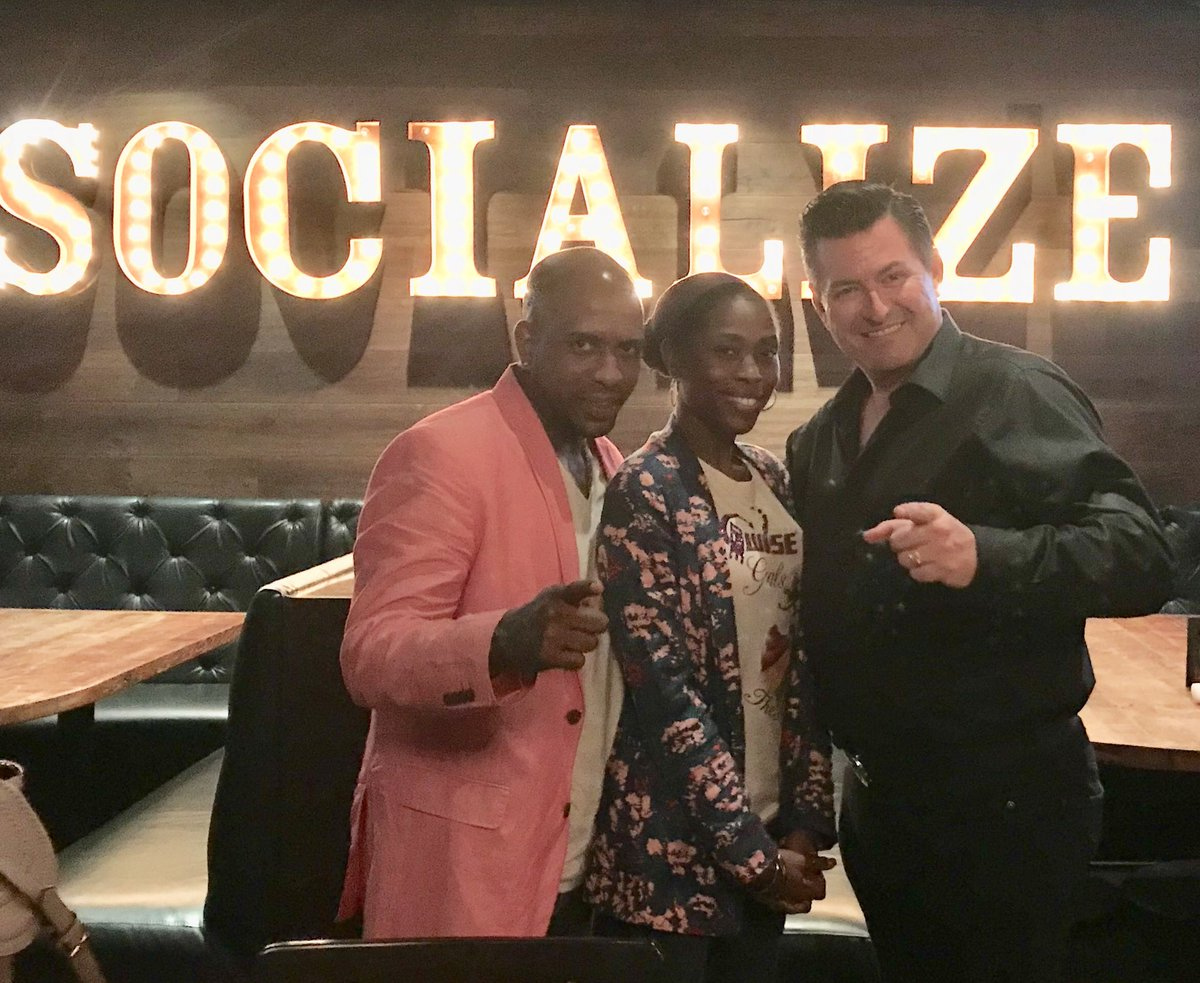 What a meeting @Iam360WISE @Iam360WiseGal POWERing the Future @arlenephillips @MCHammer @KBA_HQ #arthurmurraylifestyle @PaulaAbdul #positive <br>http://pic.twitter.com/uO7Ez5eSmK