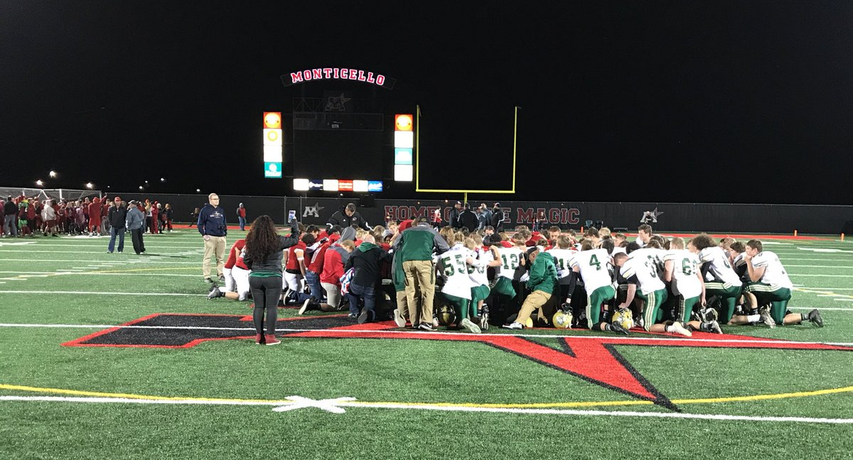Two teams, coming together regardless of the outcome. #Powerful <br>http://pic.twitter.com/zbiQqmPbHN