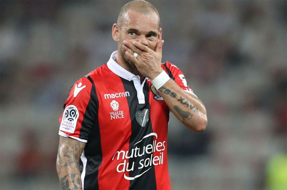 'Sneijder artık hazır' https://t.co/dl6EHKmfCL https://t.co/gI3yZgr7Ly