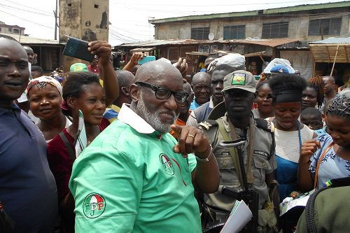 See highlights from the PDP candidate of the Anambra State, Oseloka H. Obaze governorship election campaign in Onitsha on Wednesday, October 18.