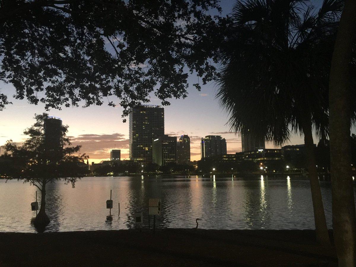 A nice fall evening! #finally. @LakeEolaPark @citybeautiful @wftv http...