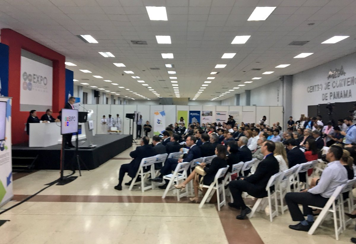 Opening @ExpoLogisticaPA, the convention for #logistics &amp; #exports to &amp; from #LatinAmerica demonstrating #Panama's hub function 4 the region<br>http://pic.twitter.com/j6hxO12HV6