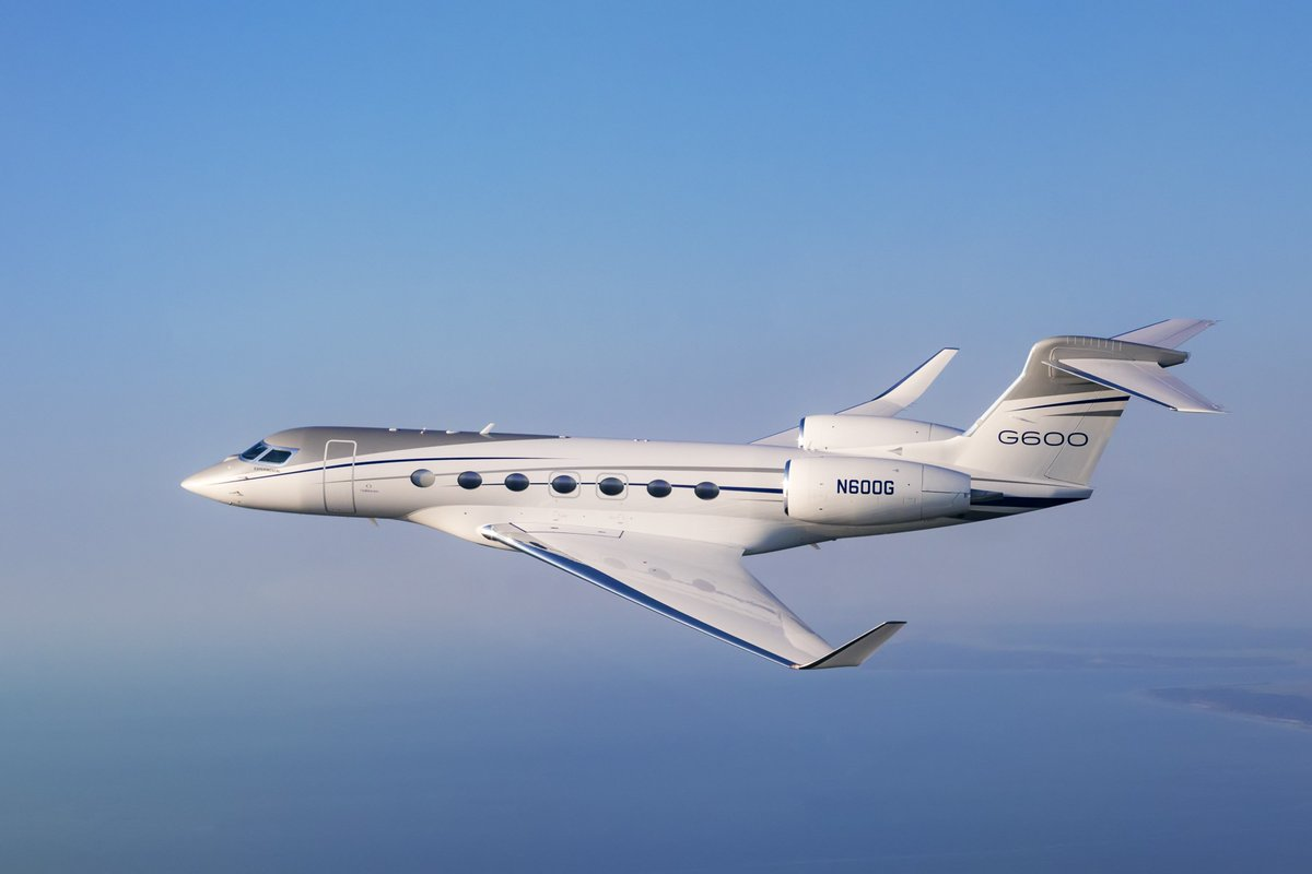 #Gulfstream NextGen aircraft #G600 on display at Hawthorne Global Aviation Services (PWK) on October 26   https://www. cabaa.com / &nbsp;    Join us!<br>http://pic.twitter.com/LWVh7mUdBQ