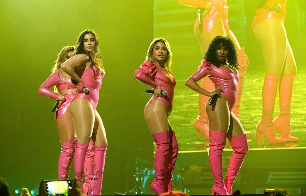 4 filhas da beyoncé https://t.co/BpFGoFy...