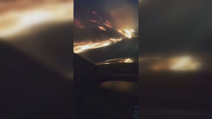 CORRECTION: Lethbridge man describes 'unbelievable' close encounter w/ grass fire  https://t.co/bwfsdPywc5 (photo courtesy: Thomas Larrivee)