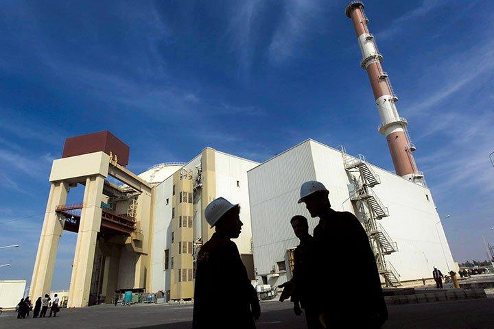 対イラン交渉には「なだめ役」も必要だ……悪者役のトランプがムチを振るうのなら、欧州にアメをやる役を任せるべし https://t.co/aSd9BThBGS #イラン #トランプ #核合意