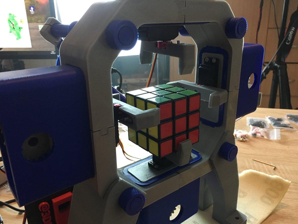 Yep, it happened!! #RubiksCube #robot <br>http://pic.twitter.com/0Dtgz66lMm
