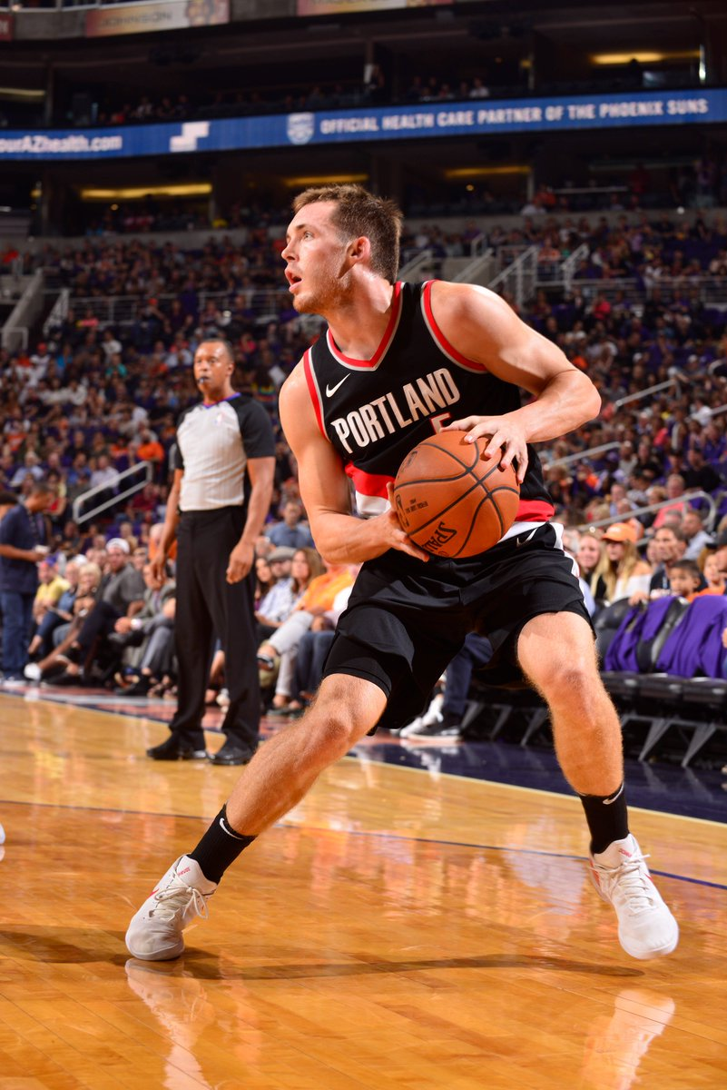 Pat Connaughton is up to a career high 23 points.   #RipCity is in con...