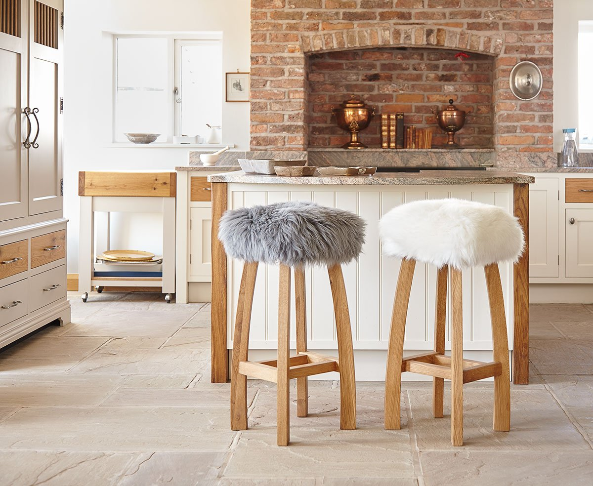 Bring the WOW factor into your #kitchen with our #luxury solid oak Baa Bar Stools! View our full range here  http:// bit.ly/2pXov5i  &nbsp;  <br>http://pic.twitter.com/6oIu0dDOnU