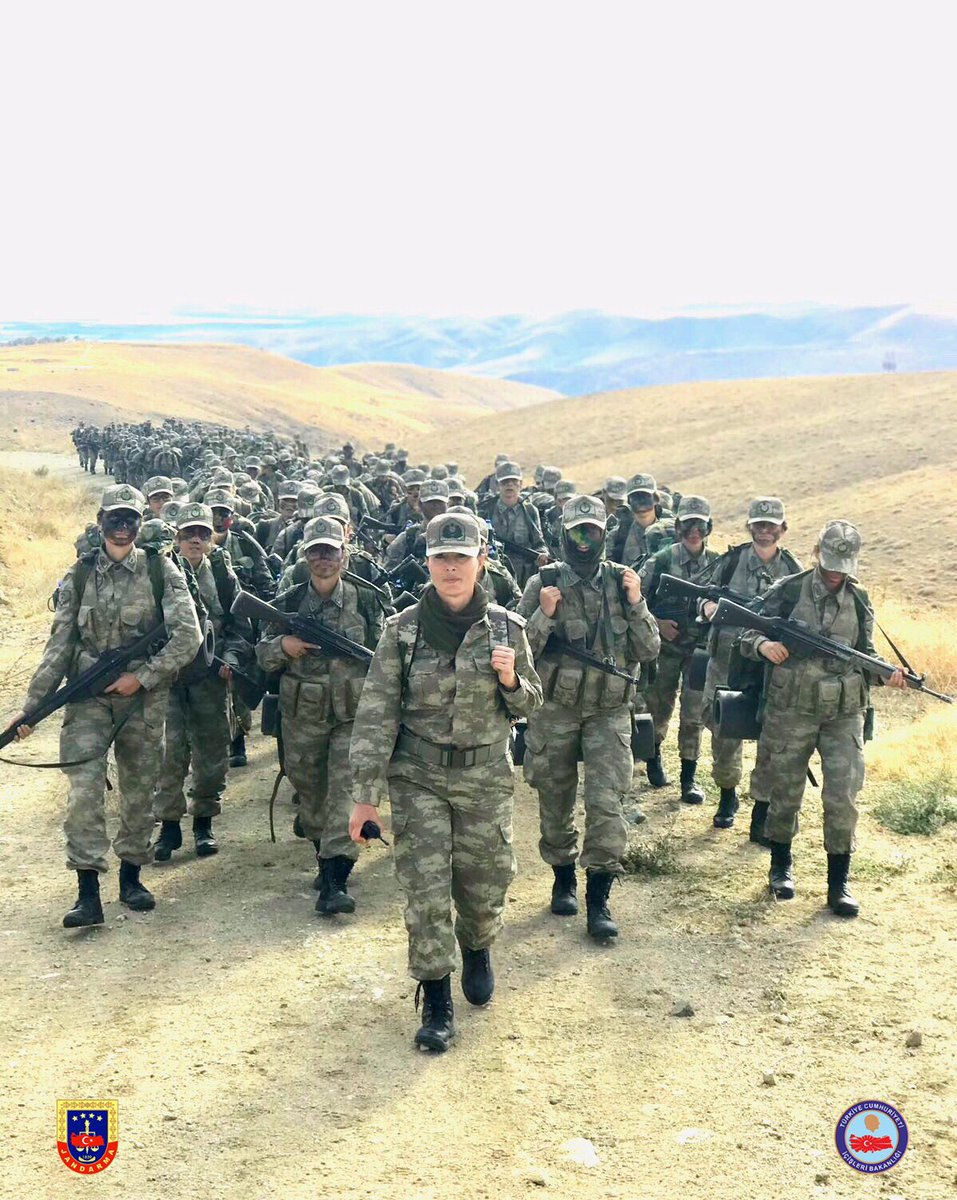 تدريبات أولى دفعات القوات الخاصة النسائية في الجيش التركي DMf9J_sWkAECLuz