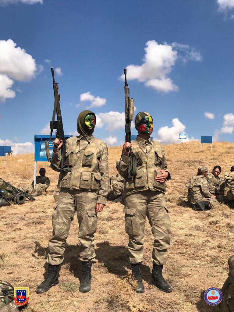 تدريبات أولى دفعات القوات الخاصة النسائية في الجيش التركي DMf9J_vXUAACyFf