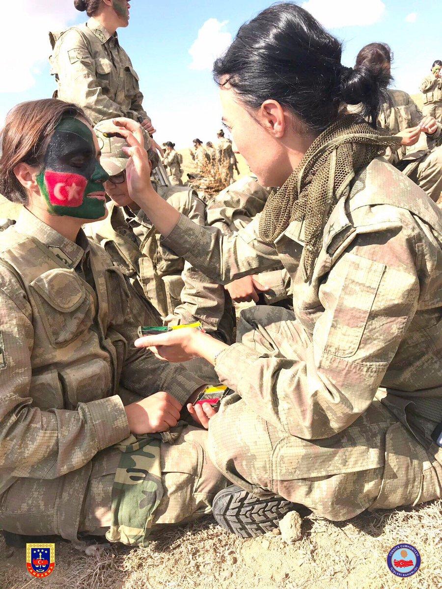 تدريبات أولى دفعات القوات الخاصة النسائية في الجيش التركي DMf9J_wXUAUgYXh