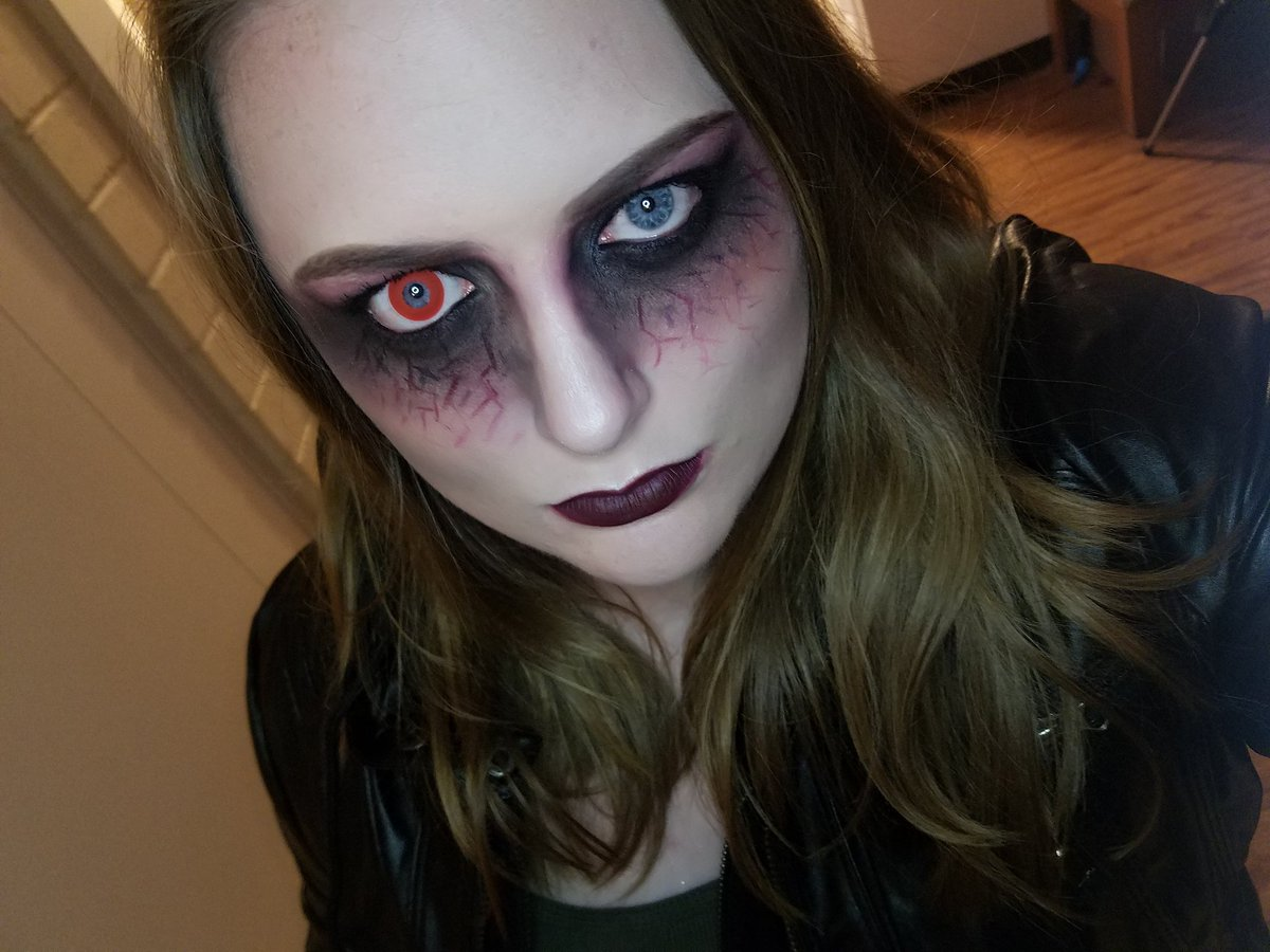Trying to decide if I want to use contacts or stay natural this  #Halloween. #Makeup #Contacts #FirstTime  #Vampire  #ForeverLearning<br>http://pic.twitter.com/Xj6JIeeKHb