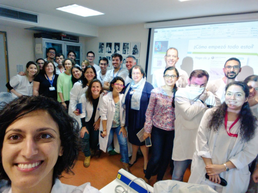 #SoMe workshop for #Pathologists in my Department. Go, Path, Go! #IlookLikeAPathologist #IWantyouforSEAP<br>http://pic.twitter.com/JyKmignaSA