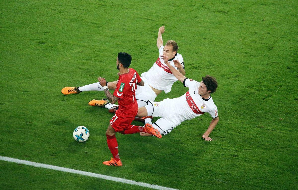 Teamwork needed! ⚽️⚪️🔴 @VfB #teamwork #teamspirit #strongtogether #vfb...