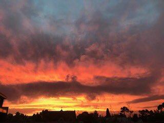 Amazing sunset #melbourne  http://www. bom.gov.au/vic/  &nbsp;  <br>http://pic.twitter.com/fAtNpX7qYX