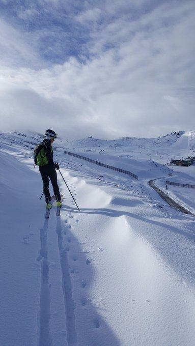¿La primera esquiada de la temporada? Aquì nuestro forero Mottaret en Borreguiles (#SierraNevada) 😮⛷️😎