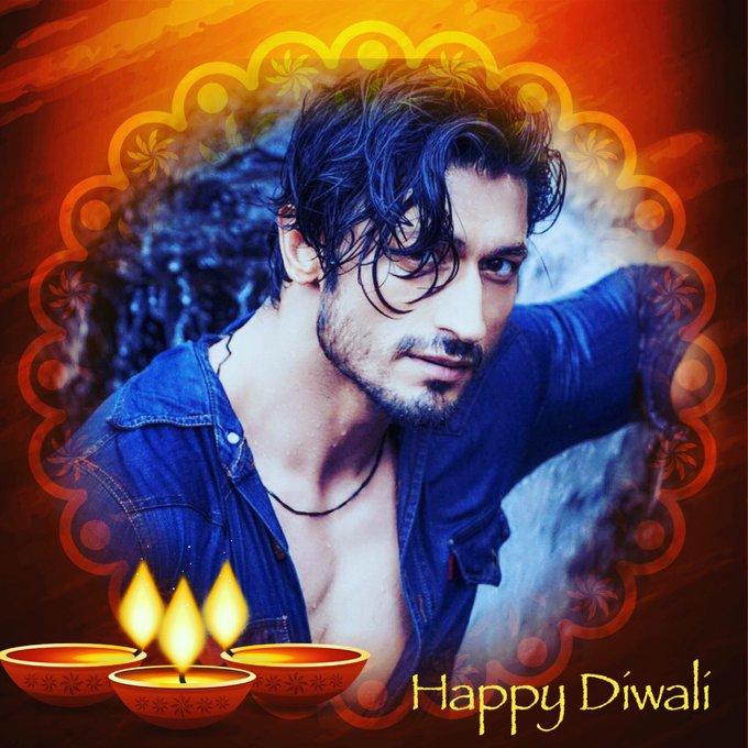 Happy Diwali 🎉🎉🎉 https://t.co/EH0j38QHDT