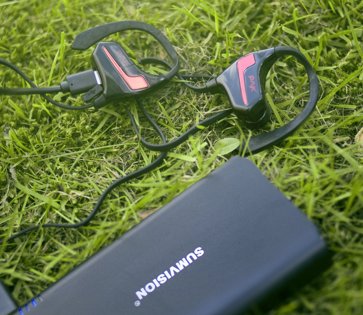 Need some tunes when you job? Go with our PSYC Esprit sports earphones and keep it on charge with our 10,000 mAh power bank! #continuouspower  #sumvision #esprit #psycsound #psyc #powerbank #music #audio<br>http://pic.twitter.com/QoA7gmFC7q