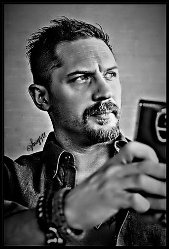 DeliciousOh yes, #TomHardy #Hardigans #Hardigan4life<br>http://pic.twitter.com/tHRVACFckE