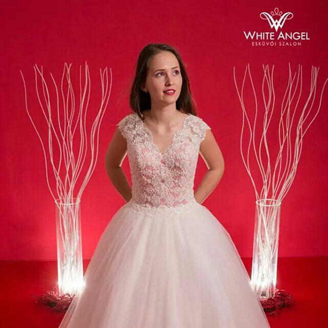 80e7af32eb #esküvő #esküvőiruha #menyasszony #menyasszonyiruha #luxusruha  #rochiedemireasa #nunta #mireasa #wedding #weddingdress  #WhiteAngelSalonpic.twitter.com/ ...