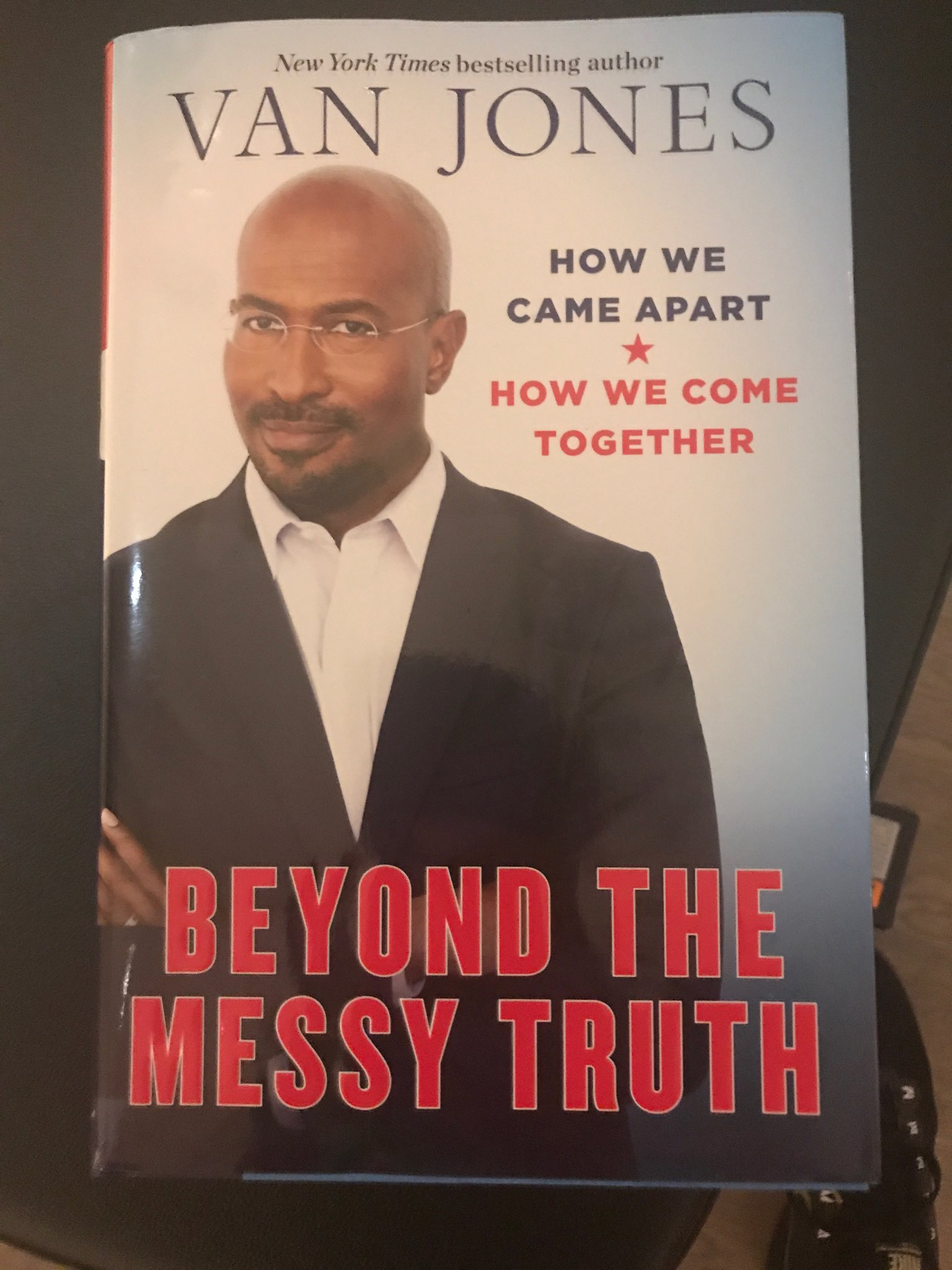 My very thoughtful friend wrote a very thoughtful book @VanJones68 https://t.co/zXTiCkyGlq
