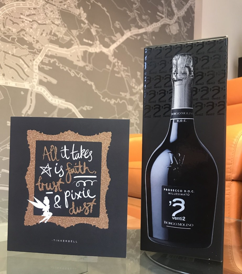 Well done to Nick on the lovely card &amp; bottle of prosecco from the vendors of Wycliffe Avenue #Wilmslow! #happythursday <br>http://pic.twitter.com/F0K9yABSjz