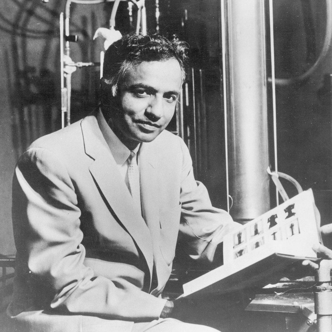 #Today&#39;s #GoogleDoodle honors Nobel Prize-winner for whom Chandra X-ray Observatory was named! Subrahmanyan #Chandrasekhar, #BOTD in 1910!<br>http://pic.twitter.com/aloY9y787D