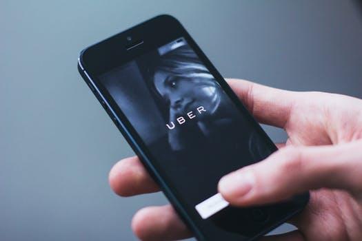 Um parecer do CADE recomenda o arquivamento de um inquérito aberto contra a Uber do Brasil por suposta prática de concorrência desleal.