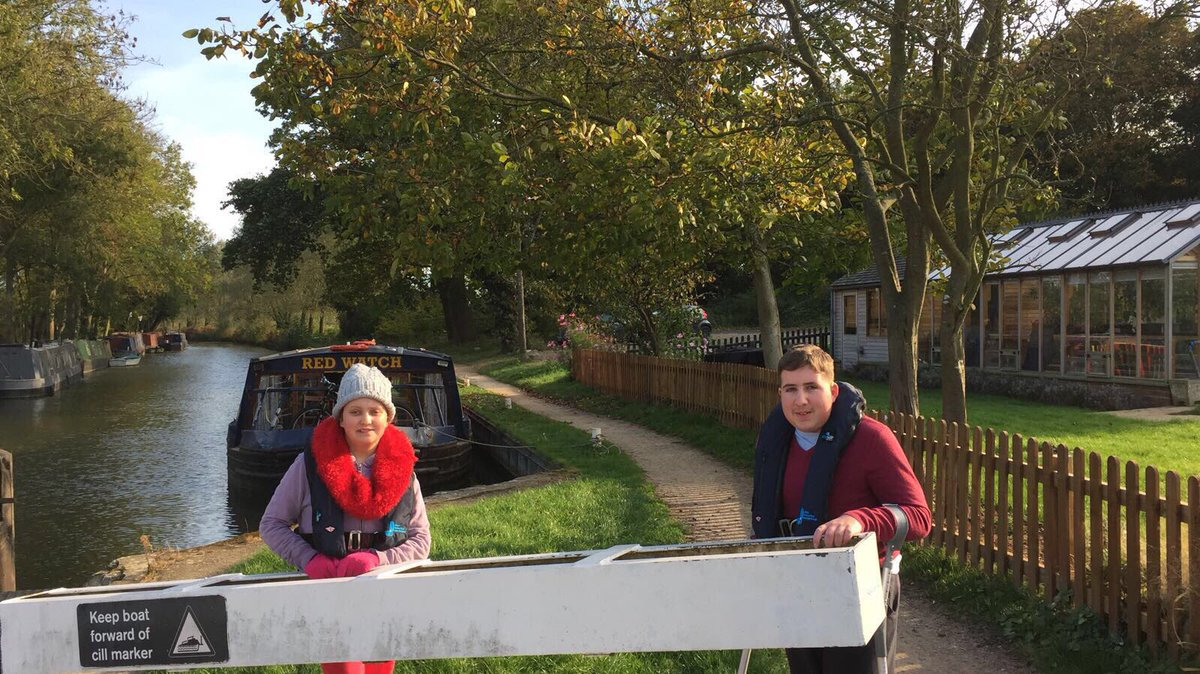 This week our young people are having a fab time exploring the beautiful countryside by canal boat! #confidenceaftercancer