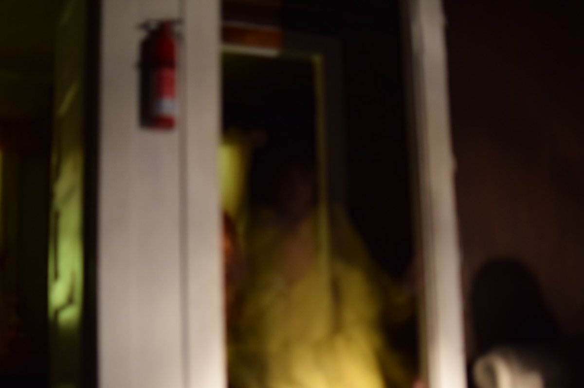 Ghost Picture? Captured at @hinsdalehaunt at a tour! What are your thoughts? #hinsdale #house #Ghost #paranormal<br>http://pic.twitter.com/Hfu7TLuPR0