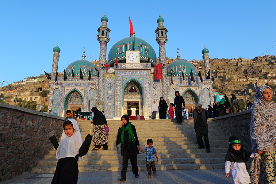 ISIS attacks Shiites, but Afghans resist push to make conflict religious https://t.co/K039nXPqwU by @peterson__scott