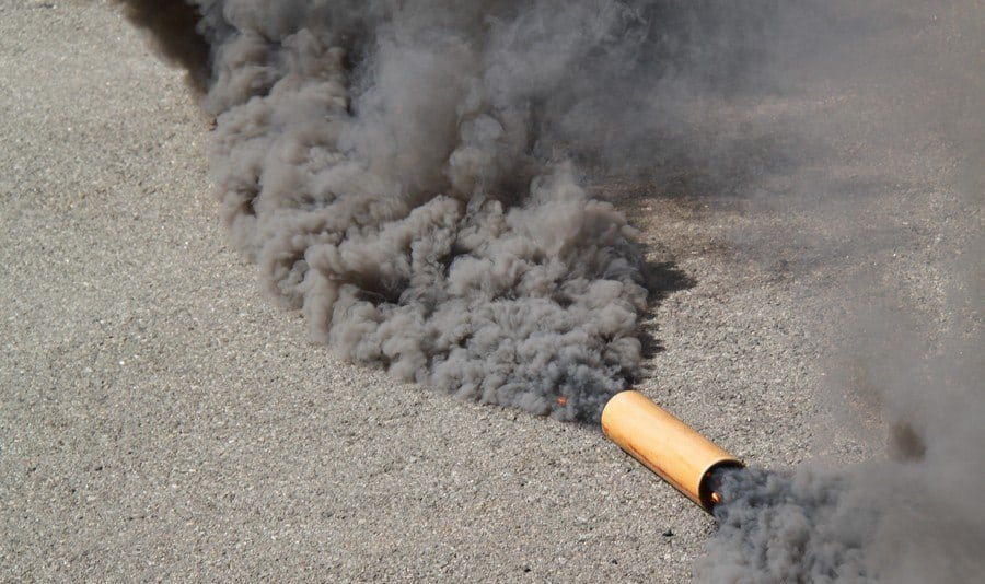 как пользоваться дымовой шашкой